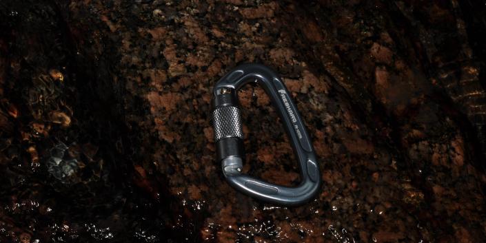 UIAA 25kN Auto Locking Space Grey Crabiner